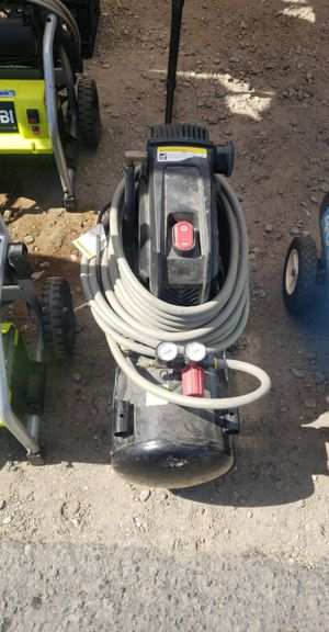 Air compressor husky 8 Gallons for Sale in Mountain View, CA