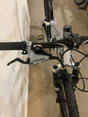 Bicycle Giant carbon 26 hidraulic for Sale in Orlando, FL