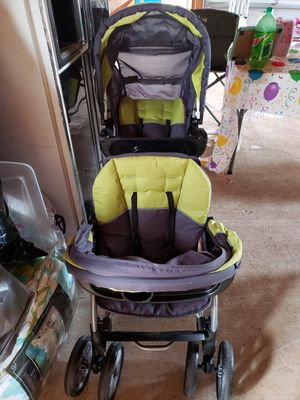 Double stroller and car seat for Sale in Simpsonville, SC