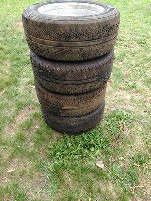 Camaro tires for Sale in Cadillac, MI