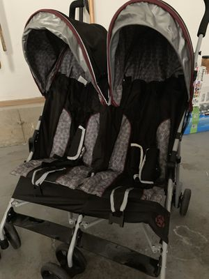 Jeep double umbrella stroller with gate check bag for Sale in East Longmeadow, MA