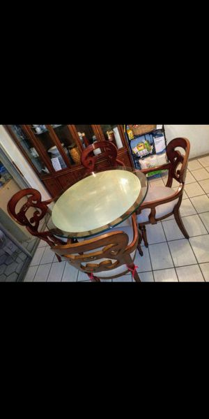 Kitchen table with 4 chairs. for Sale in Margate, FL