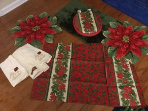 Christmas poinsettia bathroom set for Sale in Summerville, SC