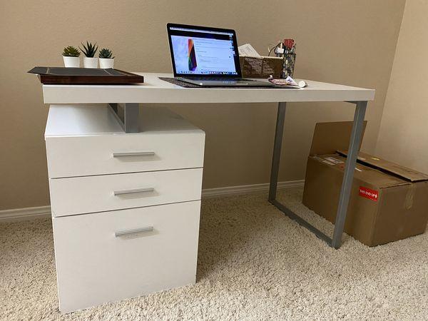 White Desk Table