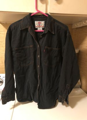 Women's Levi's shirt for Sale in Macedonia, OH