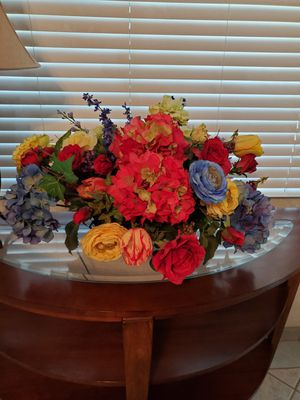 Beautiful silk flowers in a copper bowl made in India. for Sale in Scottsdale, AZ