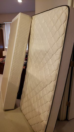Twin mattress and box spring for Sale in Everett, WA