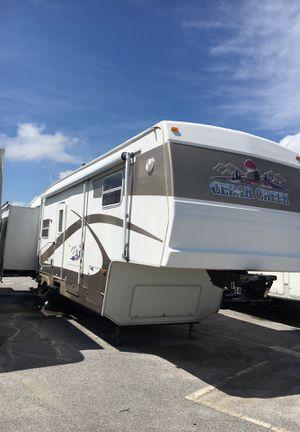 Cedar creek custom fifth wheel for Sale in Panama City, FL
