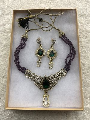 Stunning diamond and emerald costume jewelry set for Sale in Clarksburg, MD