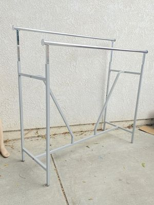 CLOTHING RACK DOUBLE RAIL RACA INDUSTRIAL PARA ROPA for Sale in Loma Linda, CA