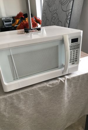 Hamilton Beach microwave 1000 Watts for Sale in Levittown, PA