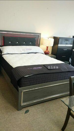 🍉SPECIAL] Lodanna Gray LED Panel Bedroom Set byAshley for Sale in Jessup, MD