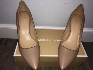 New Michael Kors nude Heels for Sale in Puyallup, WA