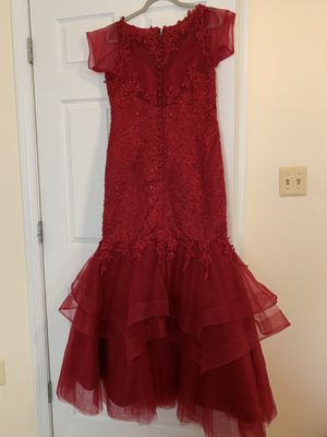 Burgundy prom dress size 16 for Sale in Centreville, VA