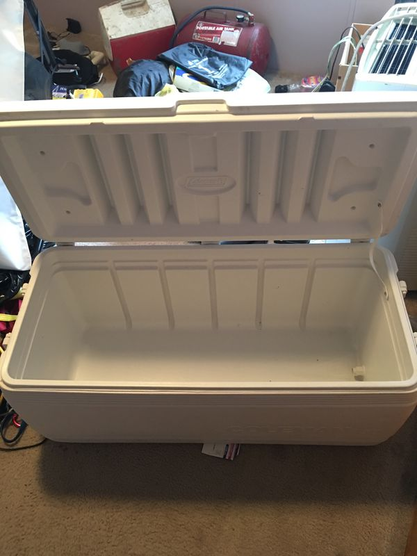 Very large ice chest cooler