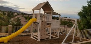 Swing set can delivery Display playset custom congo splinter free fully vinal coated. for Sale in Jurupa Valley, CA