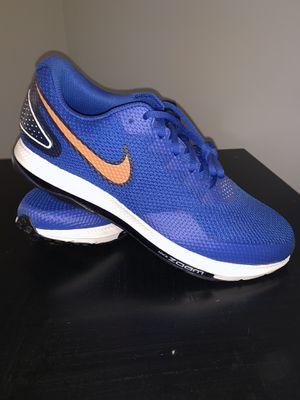 Nike zoom 11 1/2 royal blue / orange for Sale in Cadwell, GA