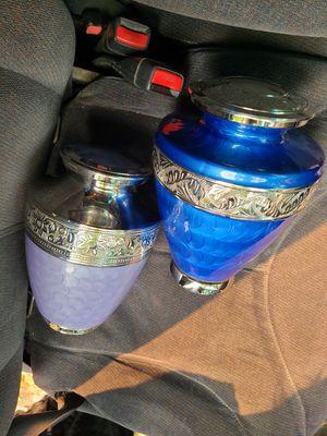 2 urns / Flower vase for Sale in Campbell, CA