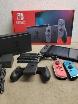 Nintendo Switch With Extra Control. for Sale in Fresno,  CA