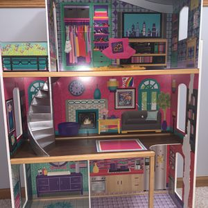 Modern Doll House In Good Condition for Sale in Oak Lawn, IL
