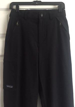 Women's Patagonia Hiking Walking Pants in Pristine Condition Sz. M (8) Black for Sale in Oakland, CA