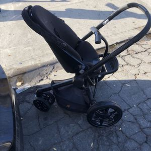 Quinny Moodd stroller In Black USED - FREE for Sale in Lynwood, CA
