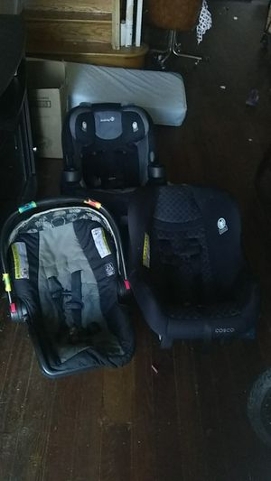 (moving in a week)pa 3 car seats different sizes for Sale in Philadelphia, PA
