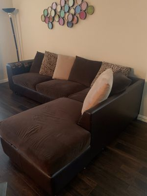 Brown sectional sofa for Sale in Plano, TX