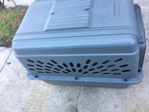 Large dog 🐕 🐶 kennel .. good condition for Sale in Belle Isle, FL