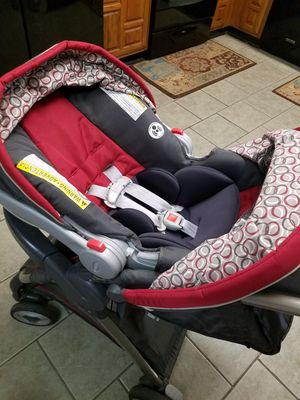 Graco Infant Car Seat / Carseat Travel System w/2 Bases for Sale in Grand Prairie, TX