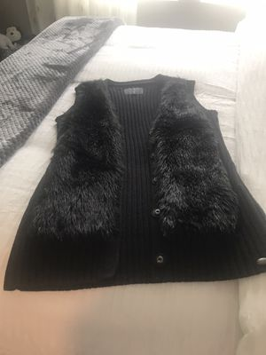 Black Sweater Vest (Brand-Guess) size M for Sale in Las Vegas, NV
