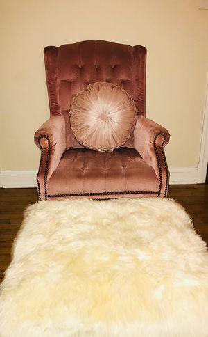 Velvet chair for Sale in Hyattsville, MD