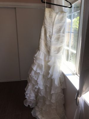 Wedding dress + veil $800 for Sale in Culver City, CA