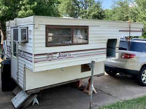 Mid 90's Jayco 8' LP Pop up Truck Camper for Sale in Arlington, TX