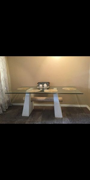 Dining table for Sale in Fort Worth, TX