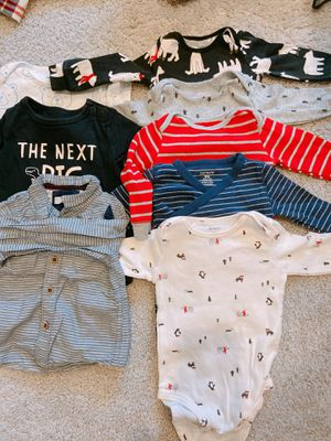6-9 month, 5 long sleeve onesies, 2 short sleeve onesies and one shirt for Sale in Renton, WA