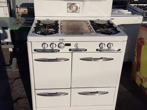 O'Keefe and Merritt 1950 stove for Sale in Los Angeles, CA