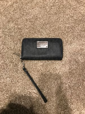Michael Kors wallet for Sale in Everett, WA