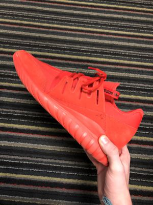 ADIDAS TUBULAR SIZE 13 for Sale in New Market, MD