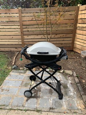 Weber Grill and Stand for Sale in Silver Spring, MD