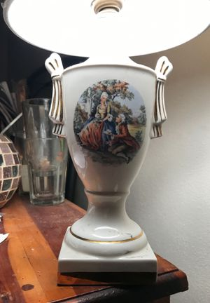Vintage George&Martha Washington lamp for Sale in Highland, IL