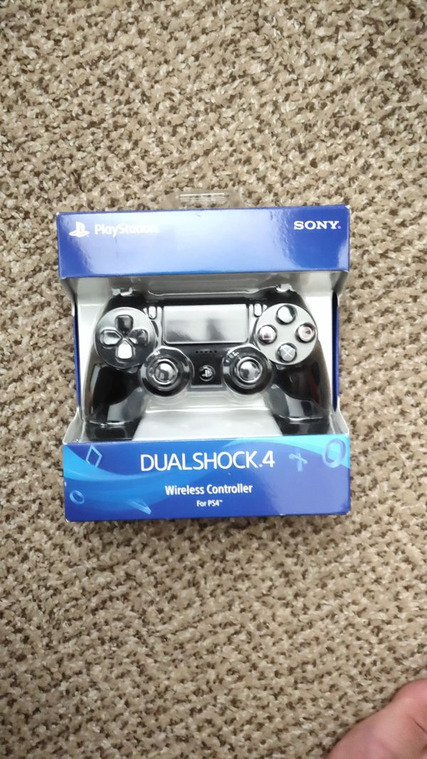 Ps4 controller, used