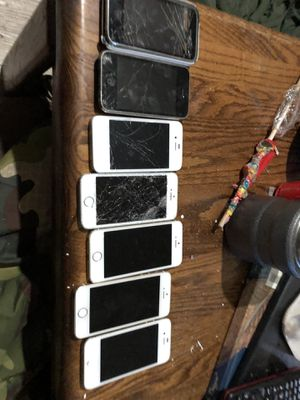 Broken iPhone for parts for Sale in Willows, CA