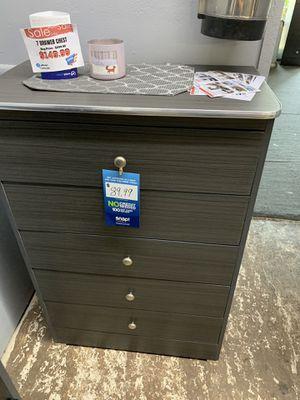 Grey 5- drawer dresser for Sale in Bell, CA