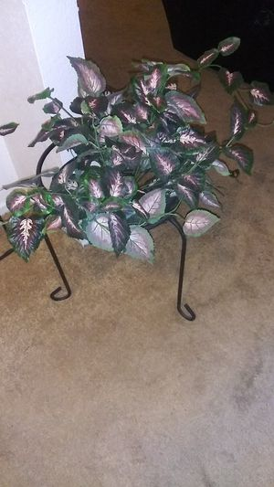 Fake plant .and metal plant holder for Sale in North Las Vegas, NV