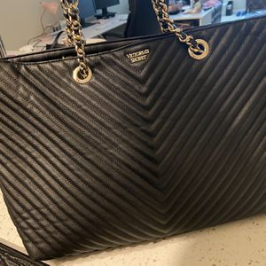 Victoria Secret Black Quilted large Tote Bag for Sale in Mukilteo, WA