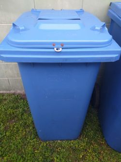 Recycle Bins. $25 each.Two for $40 for Sale in Orlando,  FL