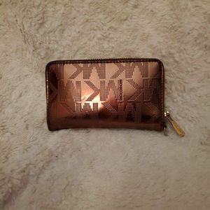 Michael Kors Zip-Around Wallet for Sale in Cathedral City, CA