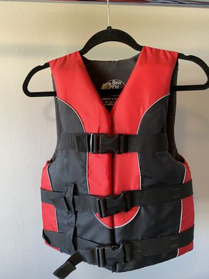 Red Bass Pro Shop Life Vest—Adult Extra Small for Sale in Naperville, IL
