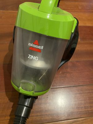 Bissell zing vacuum for Sale in Groveland, MA
